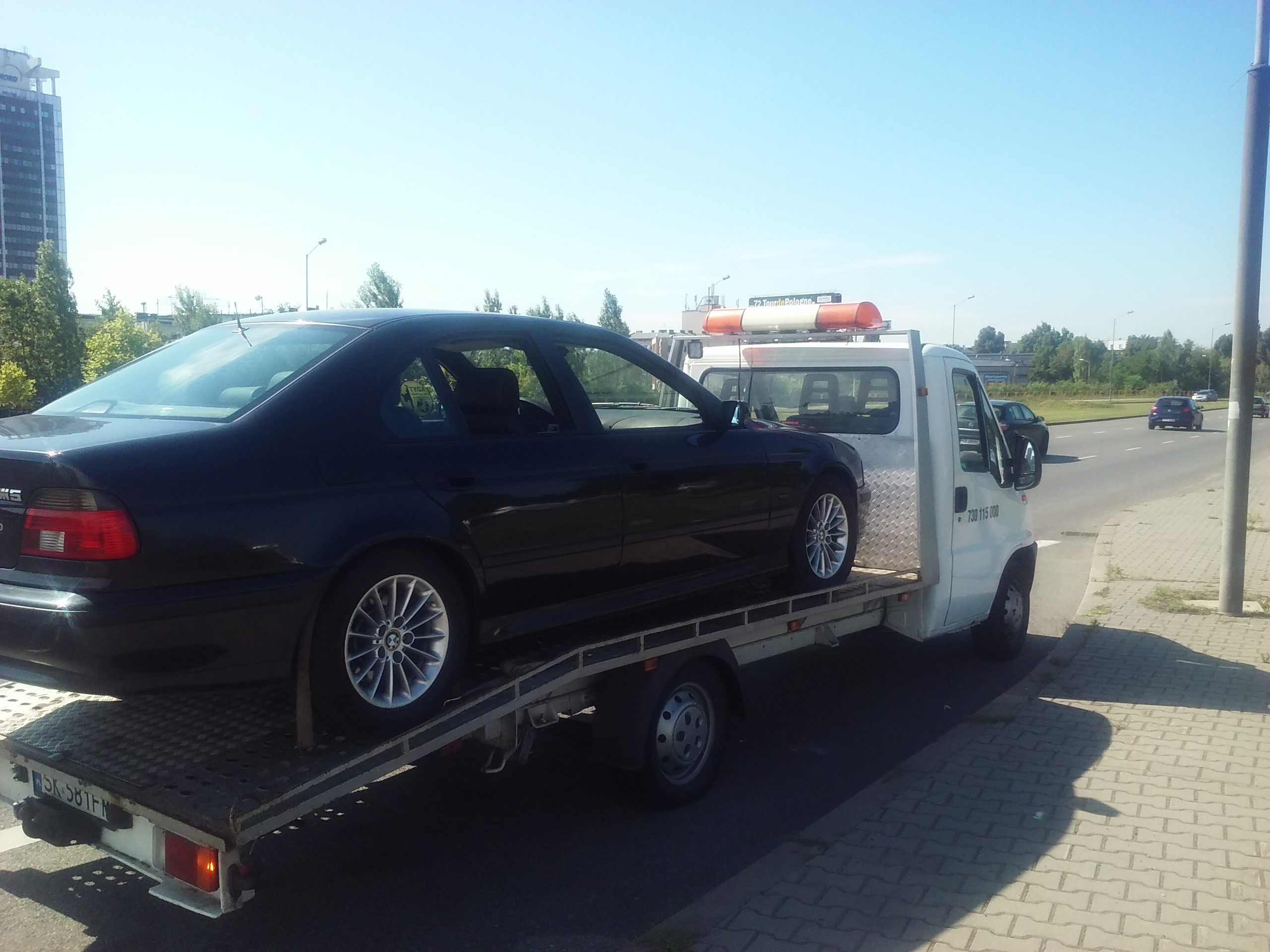 Transport BMW na lawecie w ecntrum Katowic